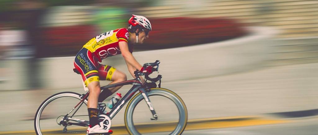 poster image Cyclistes professionnels et amateurs ce qui les différencie Le parcours 1024x436 - Cyclistes professionnels et amateurs : ce qui les différencie