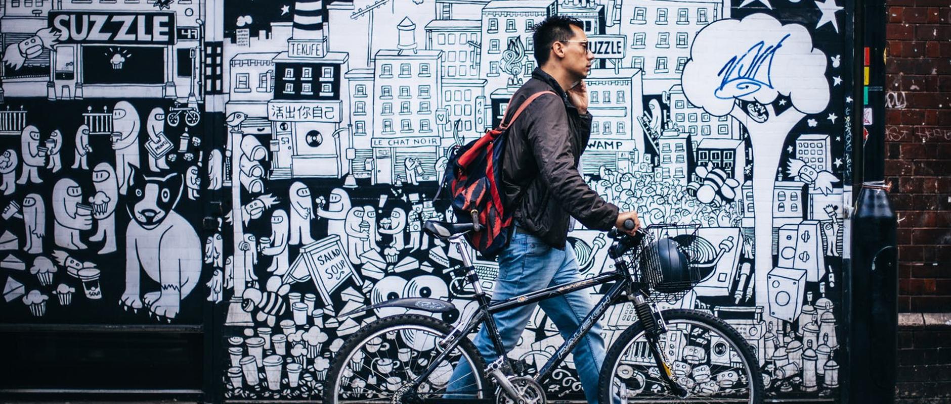 poster image 10 raisons d'aller au boulot à vélo dès aujourd'hui. Moins de charges pour la société. - 10 raisons d'aller au boulot à vélo dès aujourd'hui.