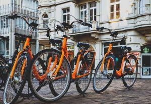 vélo de ville 300x207 - Débutant en conduite de bicyclette : ce qu'il faut savoir